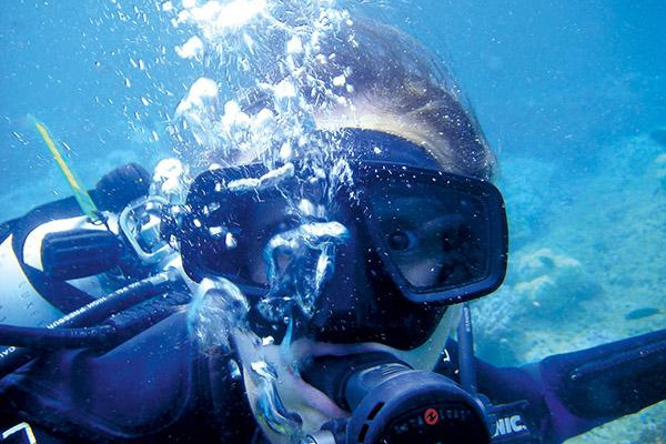 Diving stress underwater
