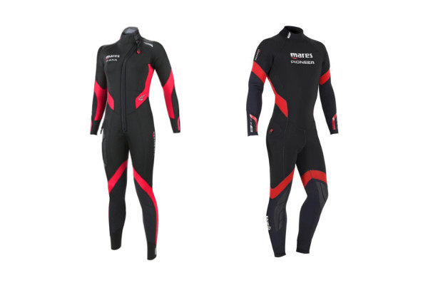 Wetsuite of the Scuba Diving Gear