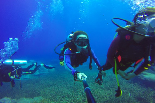 Planning scuba diving trip to costa rica