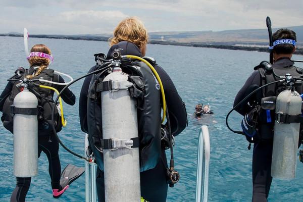PADI dive Master diving lessons