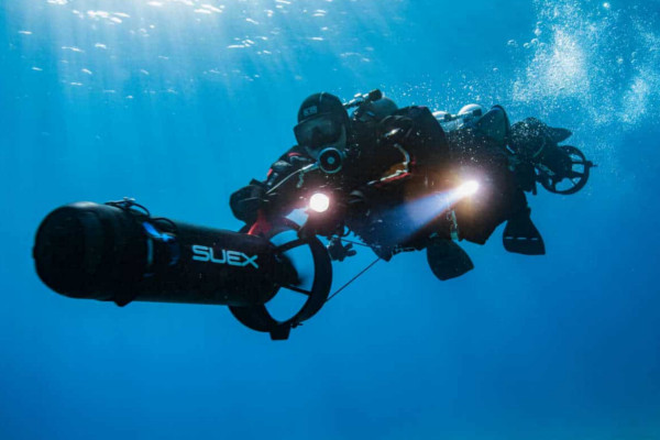 Professional Diver with a suex underwater scooter
